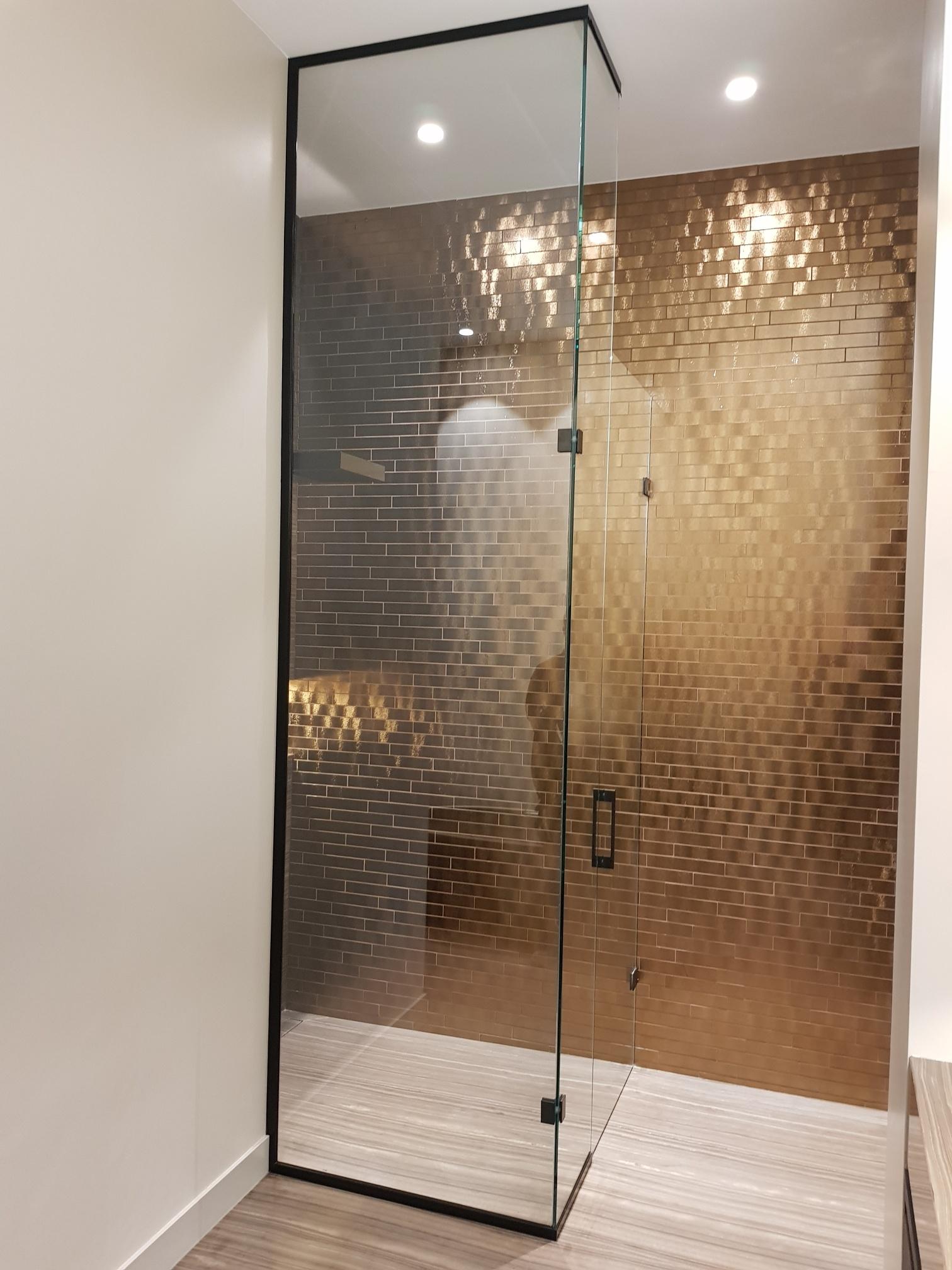 Le luxe dans la salle de bains  Saint-Gobain Building Glass