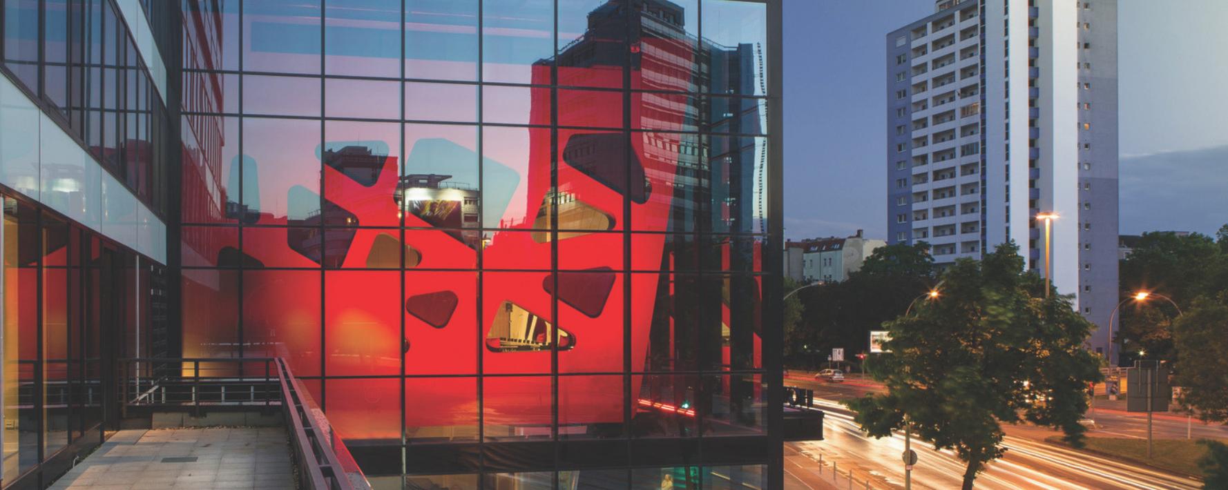 PYROSWISS van Saint-Gobain Building Glass is rookwerende beglazing