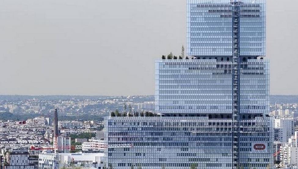 Tribunal de Paris façade Saint-Gobain