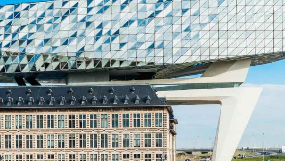 Maison du port d'Anvers façade Saint-Gobain
