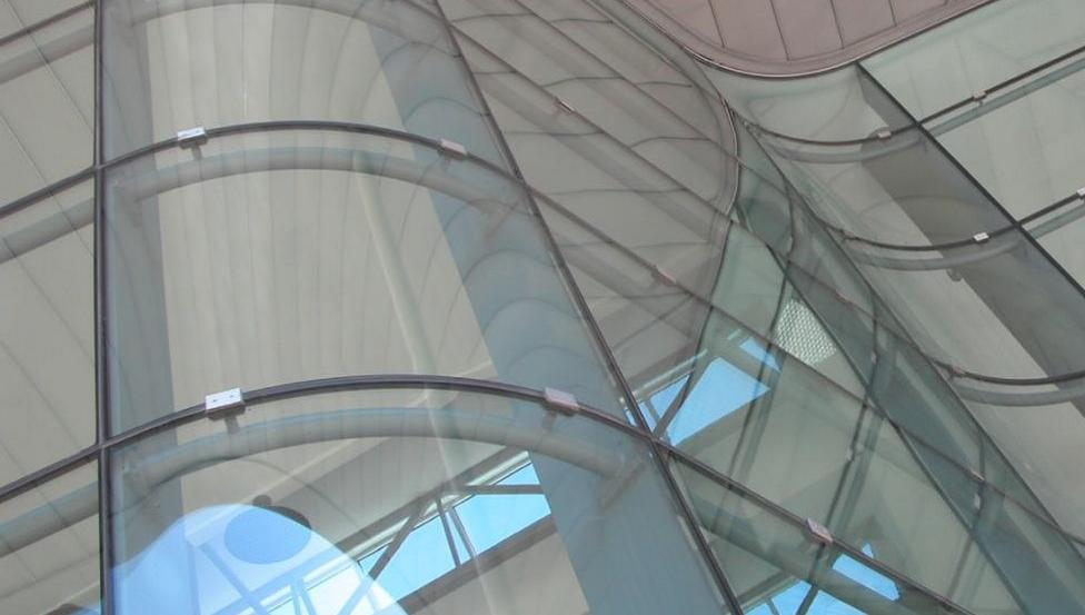 Le verre bombé architectural pour les façades | CONTOUR | Saint-Gobain Building Glass