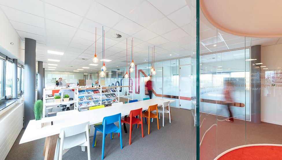 CONTOUR gebogen glas | Saint-Gobain Building Glass Benelux Hoofdkantoor